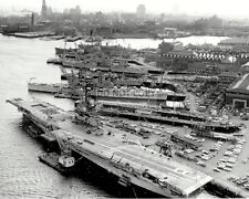 AERIAL VIEW OF THE U.S. NAVY BOSTON NAVAL SHIPYARD IN 1960 - 8X10 PHOTO (AZ126)