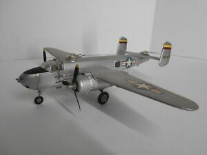 Built 1/72 North American B-25H Mitchell Bomber w 75mm Cannon Nose