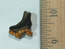 Mens Roller Skate Pin , Black Skates , (Sports)(**)