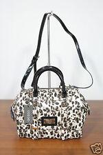NUEVO GUESS Bolso de mano Box Bag TAS Carry All jizzele 1-16 (155)