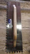 Fratazzo in acciaio per colla manico in legno cm 48x14