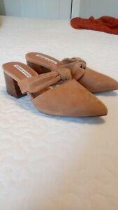 Chelsea & Violet Shoes Size 6
