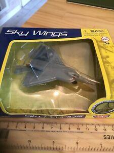 Sky Wings Collector's Edition Motor Max Die-Cast Metal Plane YF-22 Lightning 2