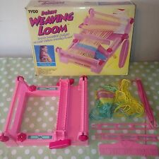 Collectable TYCO Deluxe WEAVING LOOM WITH Shuttles Comb & Some Wool - Rare