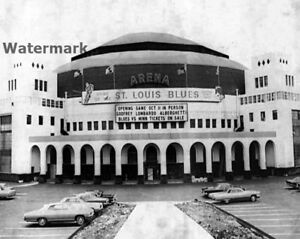 St. Louis Arena / Checkerdome St. Louis Blues - Spirit of St. Louis 8 X 10 Photo