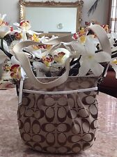 Coach F42835 Signature Pleated Khaki Ivory Swingpack CrossBody Bag EUC