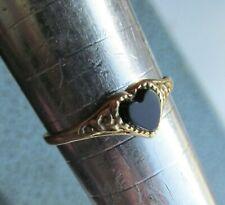 Vintage  9 ct yellow gold black stone ring