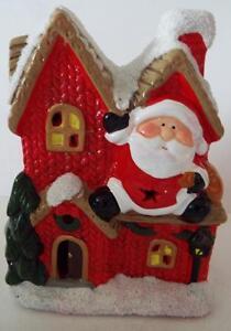 NEW In Box Ceramic SANTA CHRISTMAS HOUSE Battery LED LIGHTS TWINKLE