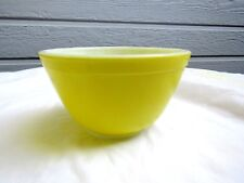 Vintage Pyrex Primary Yellow Nesting Mixing Bowl # 401 1½ Pt.
