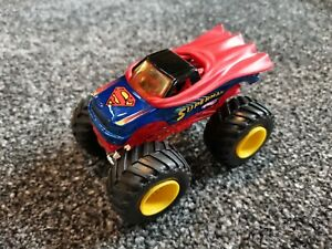 Hot wheels monster jam truck - SUPERMAN - DC - Great Condition - 1:64