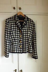 Gianni Versace – Designer Black and White wool suit – UK size 10