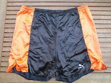 VINTAGE Short long PUMA shinny brillant nylon polyamide noir orange 80's 105