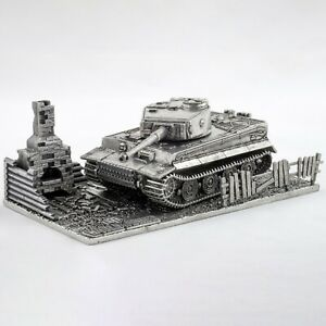Collectible Metal Model of the German Tank Tiger 1 with stand Scale 1:72.