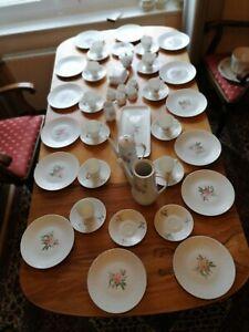 Hutschenreuther Exzellenz Rosita Kaffee Porzellan Service 53 tlg. Rose Relief