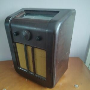 VINTAGE BAKELITE RADIO EKCO AC 77 UNTESTED. 1936. DECO. VERY NICE CONDITION.