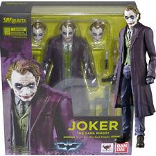 Bandai S.H.Figuarts DC Comics Batman The Dark Knight Joker Action Figure