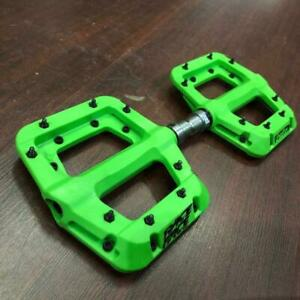 "Race Face Green Chester Composite Platform Pedals: 9/16"" Pair Flat Pedal MTB"