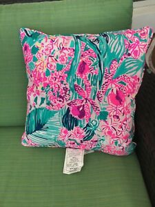 """BRAND NEW Lilly Pulitzer Large Pillow Floral w/Gold 18"""" x 18"""" NWT"""