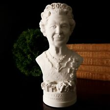 NEW HAND MADE SMALL BUST QUEEN ELIZABETH II PLASTER ORNAMENT BOXED BRITISH MADE