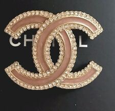 CHANEL CC LOGO GOLD METAL BEIGE/PINK ENAMEL CRYSTALS  BROOCH PIN