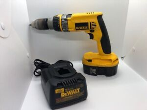 """DeWALT 18V Cordless Drill DCD989 1/2"""" Chuck with Battery and Charger (CGM016947)"""
