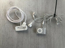 Apple iPod shuffle 2nd Generation Silver (1GB) With Earphones Bundle