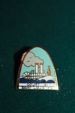 Saint Louis MO arch pin steam boat center Court 81 vintage lapel/pin hat