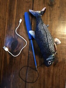 Flippity Fish Cat Toy with USB charging cord