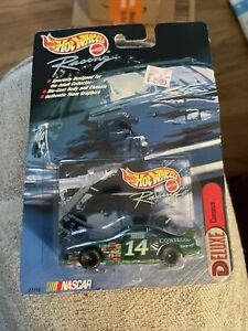 Hot Wheels 2000 Racing Conseco #14 Deluxe 1:64 scale 27710