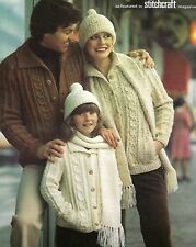 LADIES MENS CHILDS ARAN JACKET HAT SCARF 26/44 INCH KNITTING PATTERN (1394)