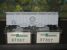 Bowser N Scale #37037 3 Pack Covered Hoppers Missouri Pacific Lines.