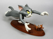 Extremely Rare! Tom & Jerry Tom Chasing Jerry Polyresin Figurine Statue