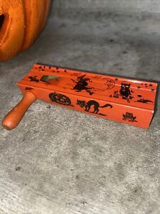 VINTAGE TIN HALLOWEEN LIFE OF THE PARTY RATCHET NOISE MAKER Witch Owl Bat Moon
