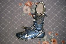 Football boots (NIKE) size 3