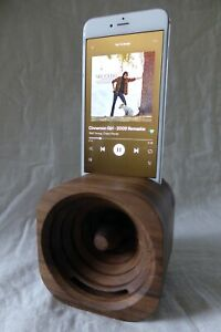 Trobla Acoustic Smartphone Amp Hand-crafted Walnut - Rare - Excellent condition