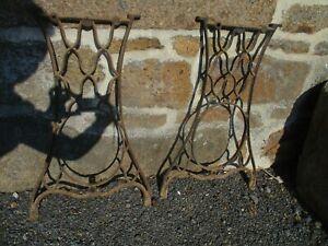 paire de pied en fonte pour table ancien de machine a coudre.