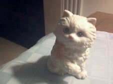 Vintage Homco White Porcelain Persian Cat/Blue Eyes W/ Peach Colored Bow #1428