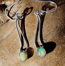 Orecchini Pendenti lungo Ovale Welo Opale Bianco Fiamme Moderno in Argento