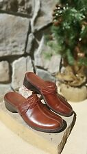 size 6.5 brown leather Clark clogs