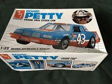 Amt Richard Petty Pontiac Grand Prix Stock Car Model Kit 1/25 Nascar