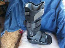 ORTHOPEDIC MEDICAL FOOT SUPPORT  WALKING BOOT BRACE SMALL MAXTRAX  BLACK