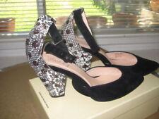 Narrow (AA, N) Solid Med (1 in. to 2 3/4 in.) Women's Heels