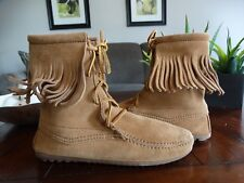 MINNETONKA MOCCASIN 427T ANKLE HIGH TRAMPER BOOT/HARDSOLE 7