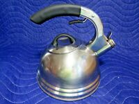 Calidad 2.7 QT Professional Quality Stainless Steel Whistling Tea Kettle 843915