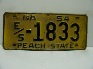 1954 Georgia License Plate   E/S - 1833    Peach State         Vintage  a9221
