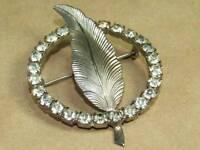 Vintage Art Nouveau Prong Set Rhinestone Leaf Circle Pin Brooch