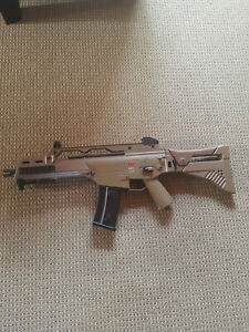 Heckler & Koch G36 C - AEG Softair im Kal. 6mm BB - Olive/Akku & Ladegerät