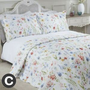 Luxury White Floral Modern Country Bedspread + Pillowcase Set Double / King Size