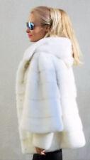 Manteau ample avec manches larges en vison d'élevage, sur commande