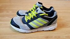 fab boys Adidas running shoes size 4